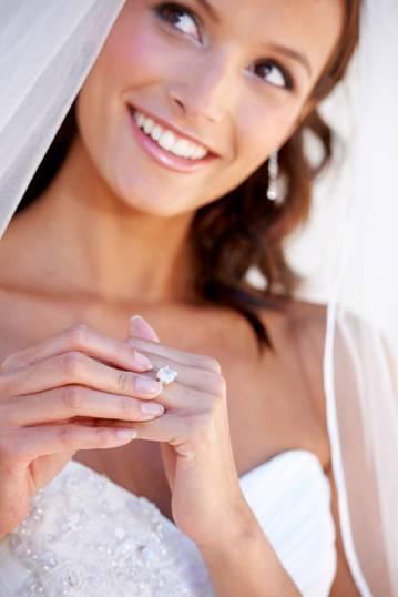 <em>A bespoke fashionable bride</em>